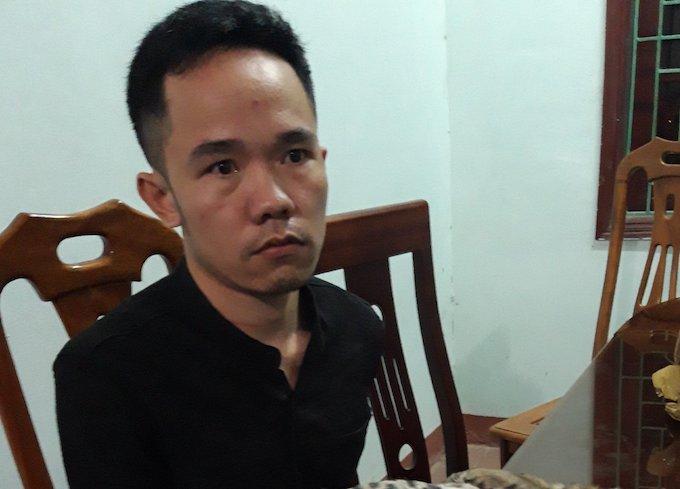 Lô Văn Tuấn tại cơ quan điều tra. Ảnh: Anh Thư.