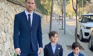 Bố con Messi dự lễ rửa tội các nhóc nhà Fabregas