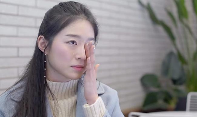 Kim Soo Min khóc khi nói về việc cha mẹ cô tổn thương thay con gái.