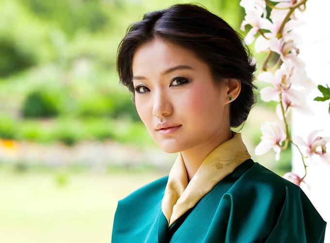 Jetsun Pema là hoàng hậu của vương quốc Bhutan một nước quân chủ lập hiến. Cô kết hôn với vua Bhutan Jigme Khesar Namgyel Wangchuck vào ngày 13/10/2011, tại Punakha Dzong.