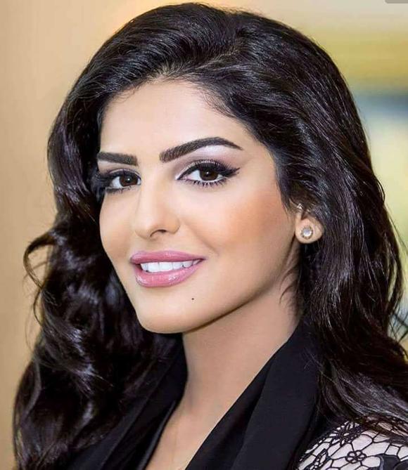 Công chúa Ả Rập Ameerah al-Taweel (sinh năm 1983) kết hôn với tỷ phú Khalifa Bin Butti Al Muhairi năm 2018. Trước đó, cô có cuộc hôn nhân kéo dài 5 năm với doanh nhân lừng lẫy Al-Waleed bin Talal.