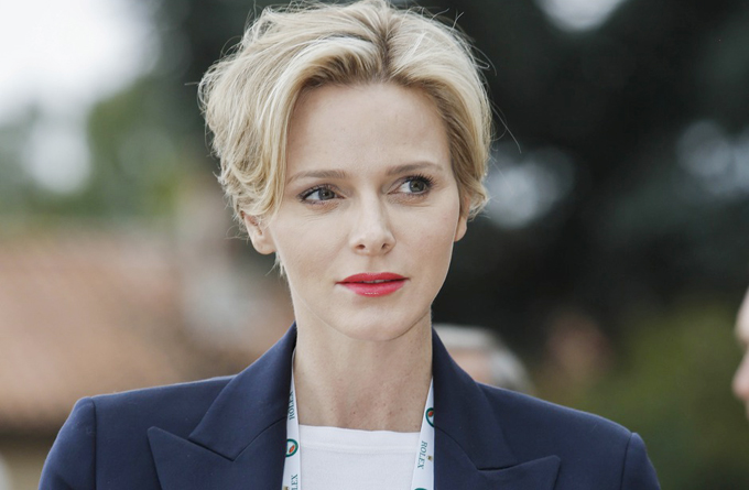 Charlene, Thân vương phi Monaco, là vợ của Albert II, Thân vương Monaco. Cô là cựu vận động viên bơi lội của Nam Phi. Cô đã đại diện cho Nam Phi dự thi Olympic Sydney 2000 và về thứ 5 cùng đồng đội. Cô gặp Thân vương Albert II năm 2000. Họ làm đám cưới ngày 1/6/2011.