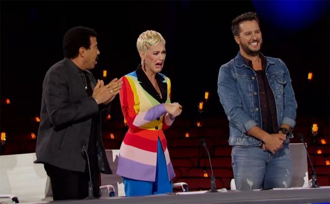 Biểu cảm của Katy Perry khiến fan không khỏi bật cười.