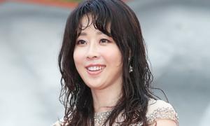 Mỹ nhân 'Nữ hoàng nội trợ' bóc trần sự đồi trụy của làng giải trí Hàn