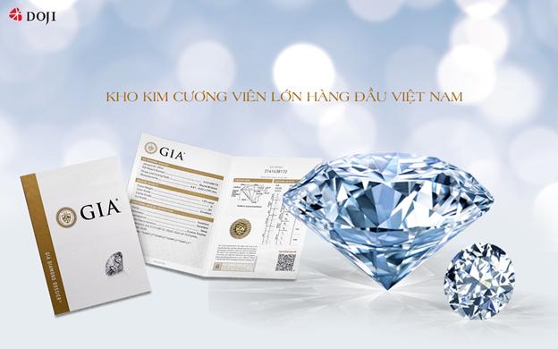 DOJI là một trong những thương hiệu sở hữu kho kim cương lớn hàng đầu Việt Nam, trong đó nổi bật với nhiều dòng kim cương viên độc đáo và khác biệt, từ kích thước cho tới kiểu cắt.