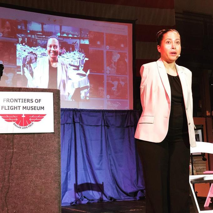 Ngoài ra, Cox còn đến diễn thuyết tại hơn 23 quốc gia, bao gồm cả Ghân, Kenya và Philippines.