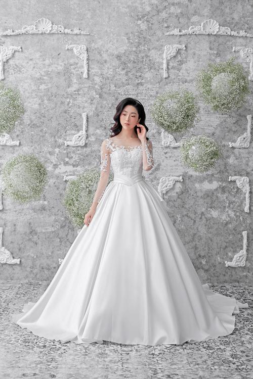 Thiết kế váy xòe cósự dịu dàng, tinh tế mà cô dâu tìm kiếm trong ngày trọng đại.