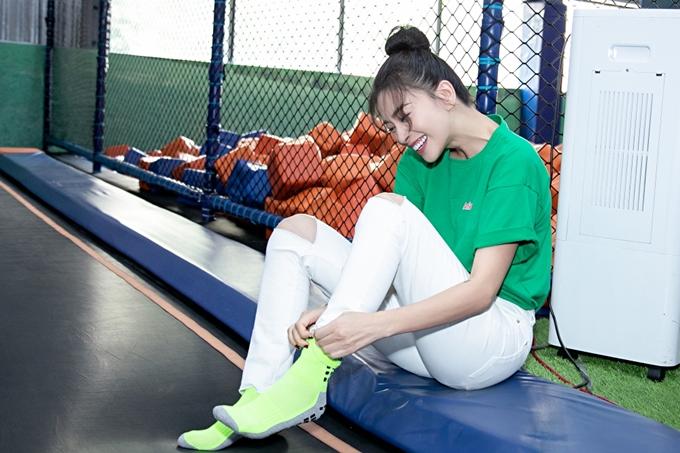 Ngô Thanh Vân hào hứng tham gia các trò chơi vận động.