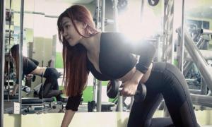 Bạn gái Đặng Văn Lâm hướng dẫn 4 động tác đốt mỡ thừa