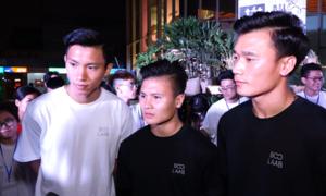 Quang Hải, Bùi Tiến Dũng tắt đèn cùng hàng nghìn bạn trẻ Hà Nội