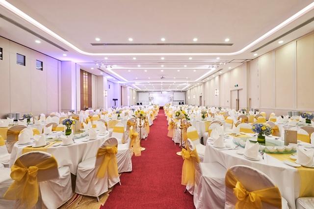 Các phòng tổ chức tiệc với thiết kế sang trọng, tinh tế nhưng không kém lãng mạn.