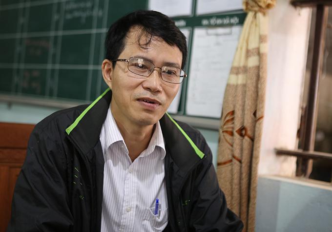 Ông Nguyễn Văn Thủy - Hiệu trưởng THCS Diễn Hùng. Ảnh: Anh Thư.