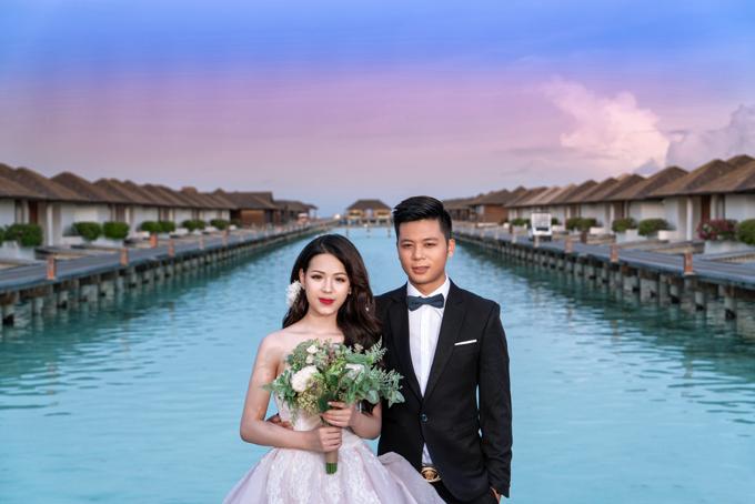 Cô dâu Nguyễn PHương Anh (20 tuổi,makeup) và chú rể Nguyễn Đức Linh (25 tuổi) đều đến từ Hải Phòng.
