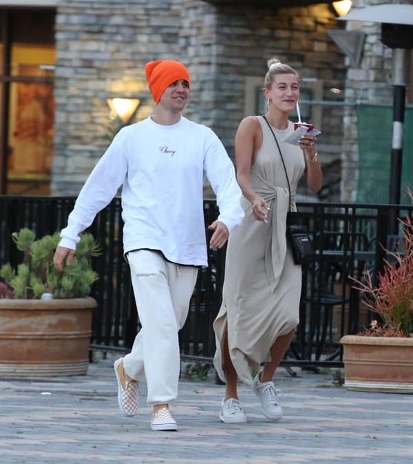 Cặp sao chỉ vừa mua biệt thự 8,5 triệu USD ở Los Angeles và đang rất hào hứng với tổ ấm hạnh phúc mới.