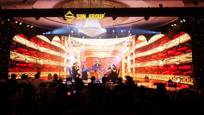 Chung Thanh Phong tổ chức show thời trang ánh sáng Wonder