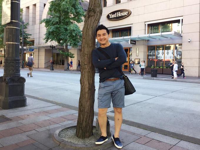 Nghệ sĩ Anh Vũ tham quan, mua sắm ở trung tâm thương mạiWestlake Center cao 25 tầng ở Seattle (Mỹ).