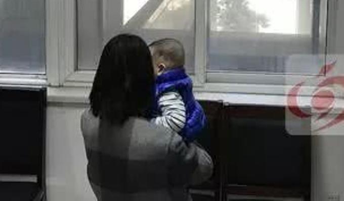 Một phụ nữ bị lừa có con với Tan. Ảnh: Weibo.
