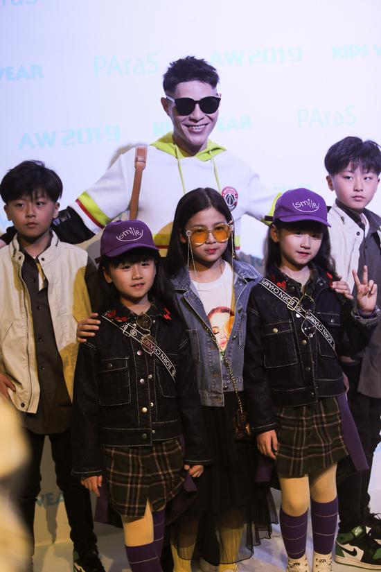 Trong thời gian sắp tới, đạo diễn thời trang Hưng Phúc sẽ gửi lời mời thương hiệu này về Việt Nam tham dự Asian Kids Fashion Week mùa 4. Đồng thời, anh có dự định đưa mẫu nhí tham dự các tuần lễ thời trang khắp các nước Châu Á.