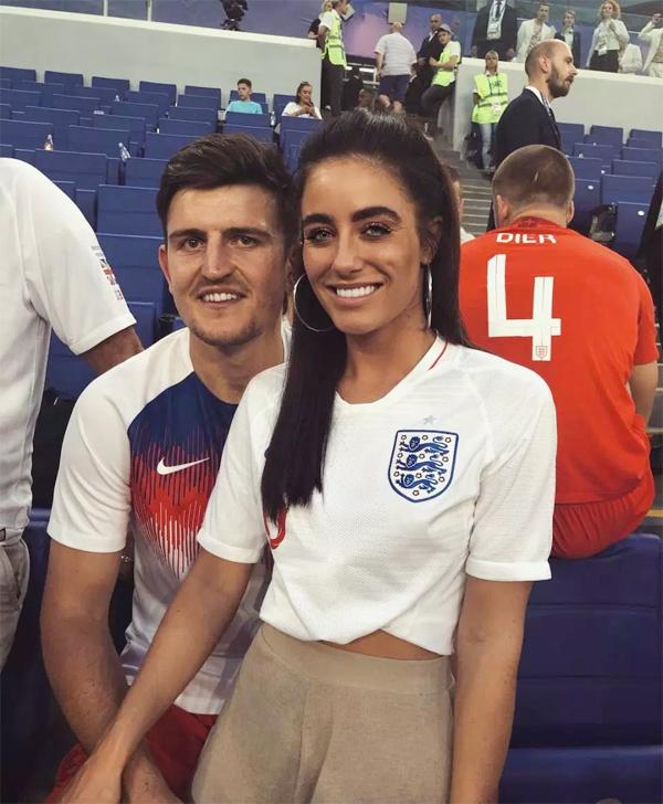 Fern Hawkins tới Nga cổ vũ bạn trai suốt World Cup