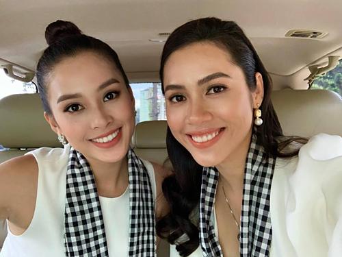 Hoa hậu Tiểu Vy và Á hậu Hoàng My được nhận xét có nhiều nét giống nhau.