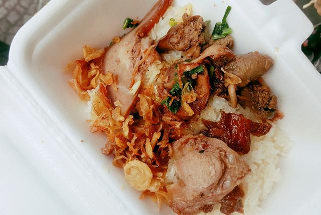 Địa chỉ cuối tuần: Món lòng chiều mưa Sài Gòn - 1