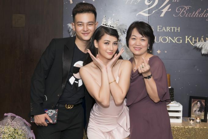 Người đẹp dự kiến trao lại vương miện cho Miss Earyh 2019 vào cuối tháng 11 tại Philippines.