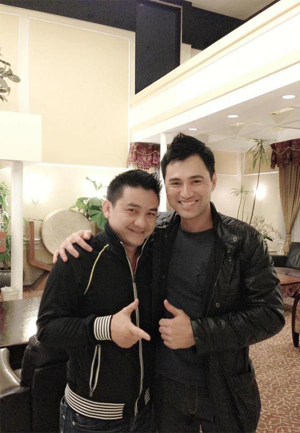 Ca sĩ Leon Vũ và nghệ sĩ hài Anh Vũ.