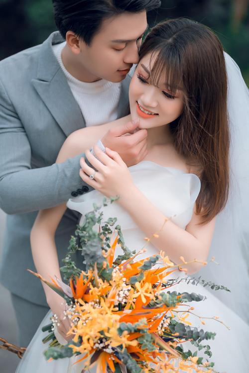 Những khung hình theo kiểu Hàn Quốc đều được hiện lên đầy chất thơ. Khâu trng điểm và diễn xuất củ cô dâu, chú rể cũng qun trọng không kém, thể hiện sự phối hợp ăn ý và tình cảm gắn bó.