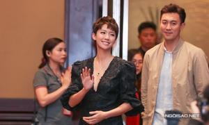 Á hậu Hong Kong thân thiện với fan Việt