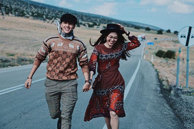 Á hậu Phương Nga và bạn trai diễn viên Bình An chụ ảnh tình tứ khi du lịch Thổ Nhĩ Kỳ.