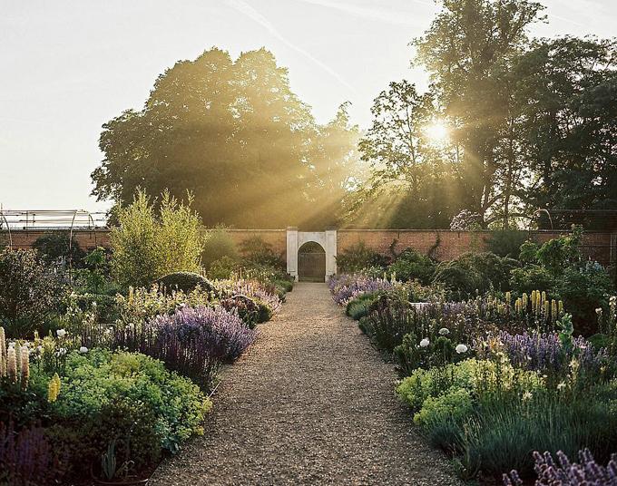 Khu vườn tuyệt đẹp của Heckfield Place.