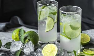 Người phụ nữ nguy cơ tổn thương não vĩnh viễn sau 3 tuần chỉ uống nước