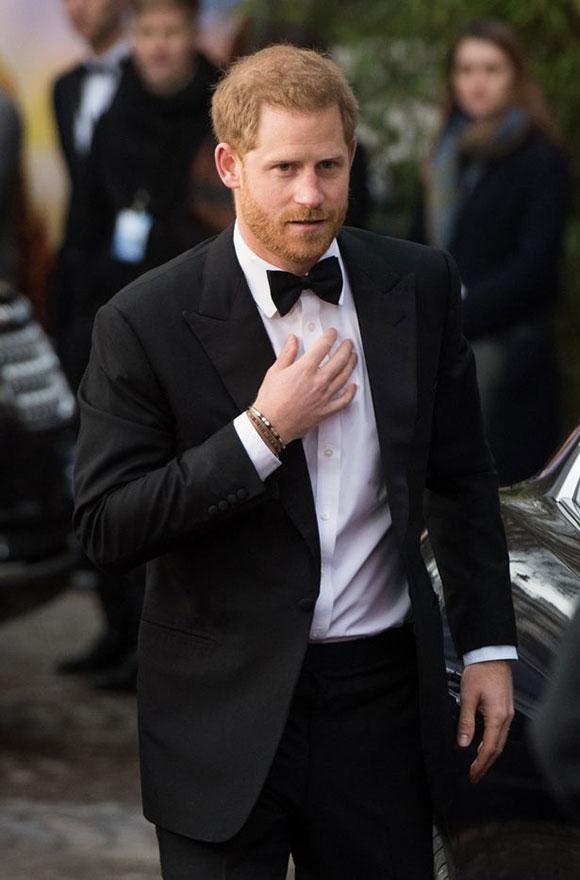 Hoàng tử Harry một mình đi dự ra mắt phim mà không có vợ bầu đi cùng hôm 4/4. Ảnh: WireImage.