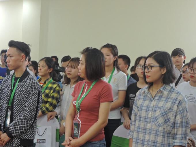 Buổi casting tại Hà Nội thu hút gần 300 thí sính tham dự.