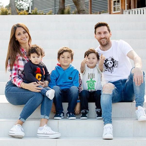 Messi đăng ảnh vui tươi bên gia đình sau chiến thắng trước Atletico. Ảnh: Instagram.