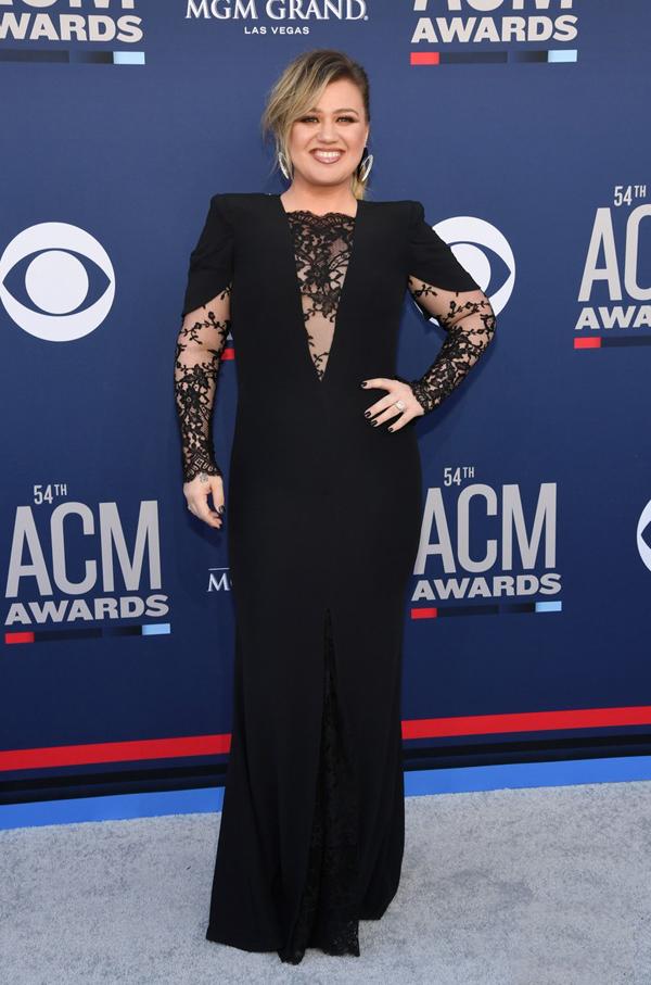 Ca sĩ Kelly Clarkson.