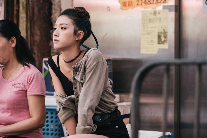 Thái Tư Bối có tạo hình nổi bật trong phim Cảnh sát thép.