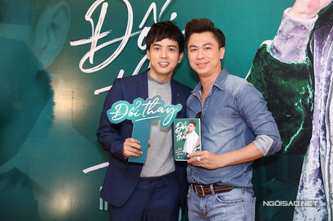 Ca sĩ Hồ Việt Trung bất ngờ vì đồng nghiệp phát hành hồi ký ở độ tuổi còn quá trẻ. Anh tin trong tương lai Hồ Quang Hiếu còn ra thêm nhiều quyển sách khác.