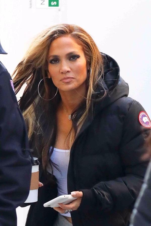 Jennifer Lopez quay phim ở New York.