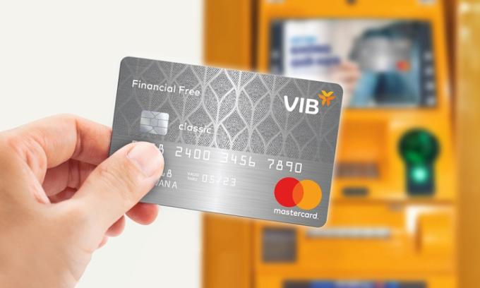 Thẻ Financial Free rút tiền mặt không giới hạnhạn mức và miễn phí thường niên trọn đời. Chi tiết xem tại www.vib.com.vn.