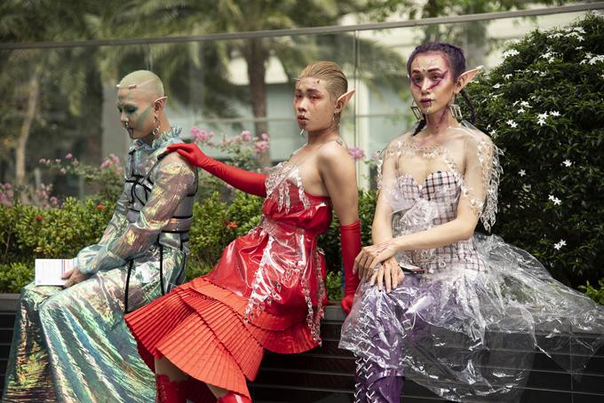 Ngay ngày đầu khởi động, sự kiện The Best Street Style của Tuần lễ Thời trang Quốc Tế Việt Nam 2019 đã khiến nhiều khán giả sửng sốt.
