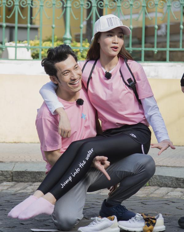 Là bóng hồngduy nhất của show nhưng Lan Ngọc lại không ngại khó khăn khi sẵn sàng lăn xả tham gia cáctrò chơi vận động trong chương trình. Ở tập 2 của Running man phiên bản Việt Nam, cô tiếp tục khiến các thành viên nam như Liên Bỉnh Phát phải kiêng nể vì sự chịu chơi.