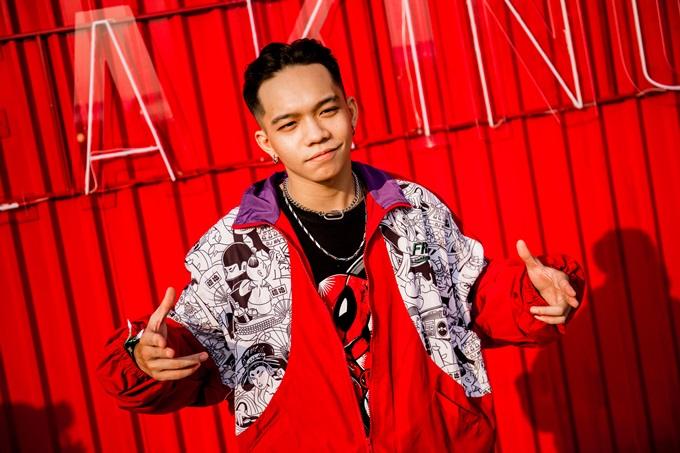Ngoài Fung La, các nghệ sĩ underground như DJ Tripple D, DJ Tín Lê, DJ Teddy Doxx... cũng hào hứng với BST mới. Họ nhận xét sự bắt tay của hai thương hiệu tạo nên các thiết kế độc đáo, vừa mang tinh thần thời trang đường phố, vừa có nét bí ẩn.