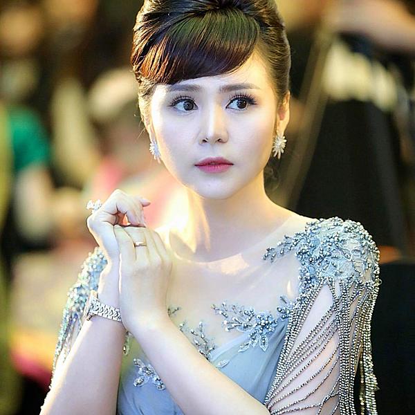 Nữ hoàng hoa hồng Bùi Thanh Hương, Giám đốc Đại diện chương trình tại Việt Nam.