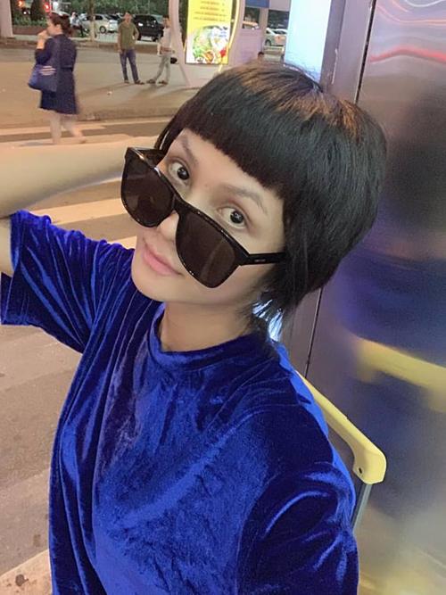 HHen Niê pose hình với mặt mộc khi có mặt tại Đà Nẵng.