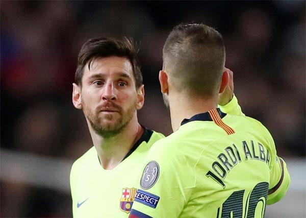 Siêu sao 31 tuổi là người bấm bóng để đồng đội Suarez đánh đầu ghi bàn thắng duy nhất giúp Barca giành chiến thắng 1-0 trên sân khách.