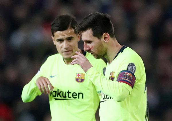 Messi với gương mặt bầm dập vẫn có thể vào sân thi đấu tiếp.