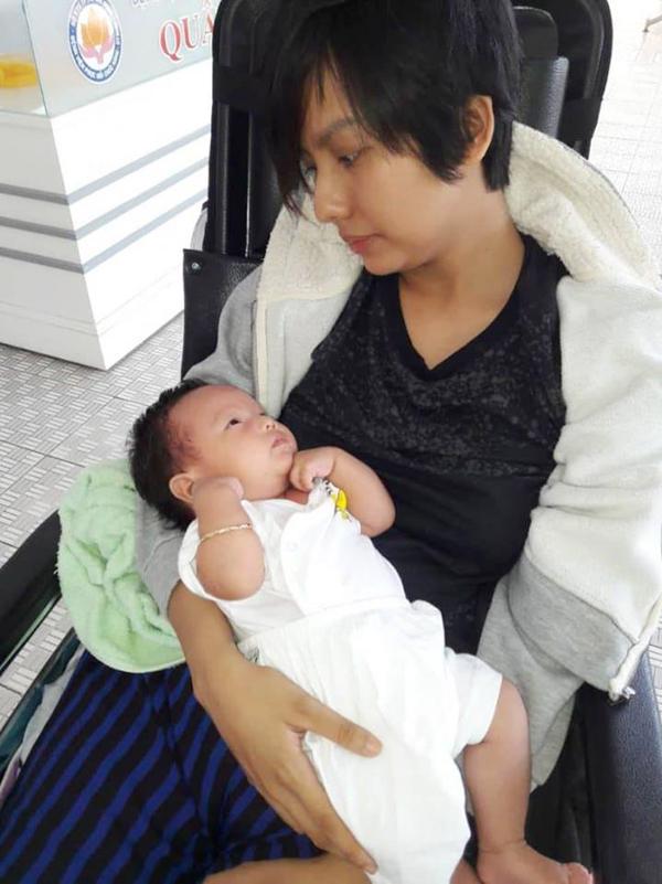 Diễn viên Thúy Anh bị xuất huyết não hai tuần trước khi sinh em bé thứ hai. Sau khi sinh mổ gấp, cô bị hôn mê suốt 2 tháng.