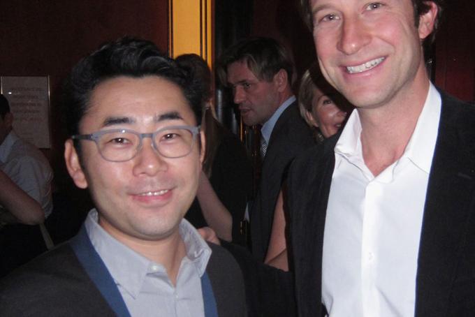 Hai con trai của ông Yanai, Kazumi Yanai và Koji Yanai được dự đoán là người kế nhiệm sau khi ông về hưu. Cả hai người này đều giữ chức phó chủ tịch của Fast Retailing và cũng là thành viênhội đồng quản trị của tập đoàn.Trong ảnh là con trai lớn Kazumi Yanai (trái)tại một sự kiện diễn ra ở thành phố New York, Mỹ, năm2012.