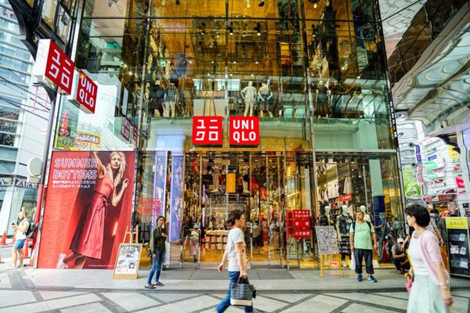 Hiện thương hiệu này đã có 1.800 cửa hàng trên toàn thế giới. Trong những năm gần đây, doanh thu của Uniqlo đã